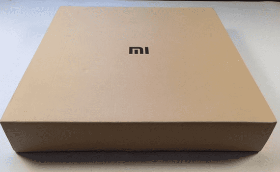 Вид на упаковку Xiaomi Mi Smart Scale Weight
