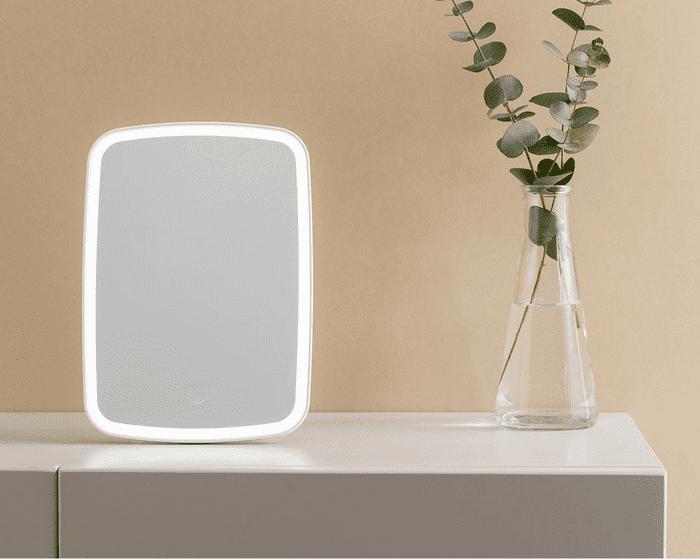 Внешний вид зеркала для макияжа с подсветкой Xiaomi Jordan Judy Desktop Mirror LED Tri-color