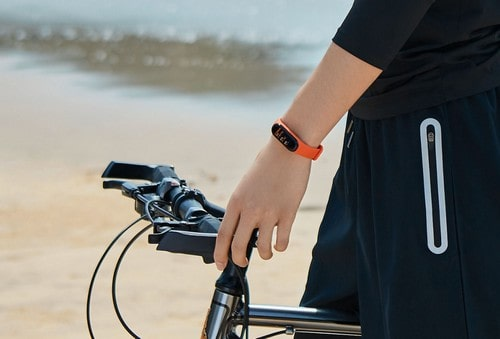 Езда на велосипеде с браслетом Ми Бэнд 4