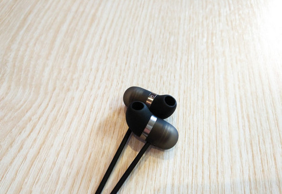 Дизайн Xiaomi Mi Piston Air Capsule In-Ear Earphone