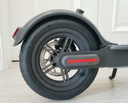 Внешний вид тормозной системы электросамоката Сяоми M365 Electric Scooter