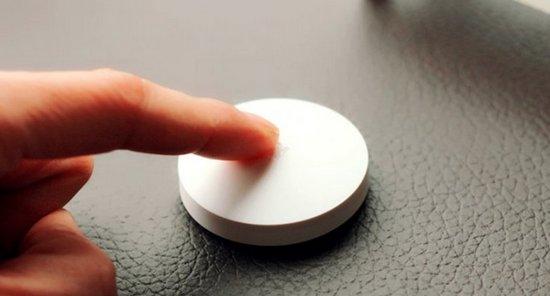Внешний вид умной кнопки из комплекта Xiaomi Mi Smart Home Kit