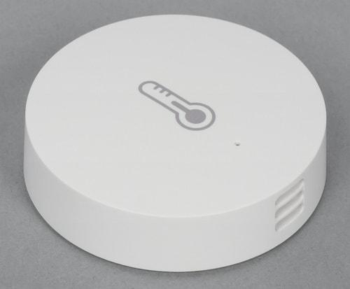 Внешний вид датчика температуры и влажности из комплекта Xiaomi Mi Smart Home Kit